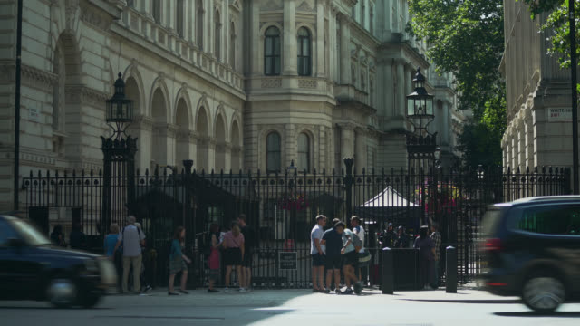 ws tourists outside downing street entrance - downing street stock videos & royalty-free footage