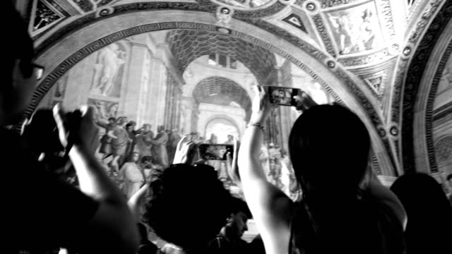 tourists taking photographs of famous art, vatican city - photographing stock-videos und b-roll-filmmaterial