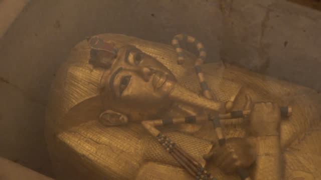 tourists visit the tomb of the 18th dynasty pharaoh tutankhamun at the valley of the kings in luxor after an archeological mission finished... - valley of the kings stock videos & royalty-free footage
