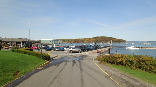 tourists visiting bar harbor in autumn amid the 2020 global coronavirus pandemic. - maine stock videos & royalty-free footage