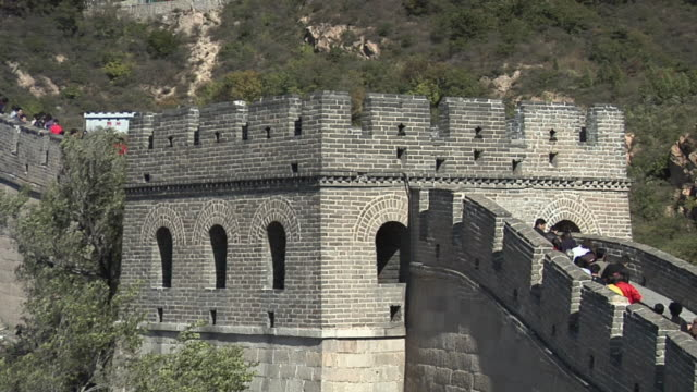 ms tourists walking on great wall at badaling/ beijing, china - badaling great wall stock videos & royalty-free footage