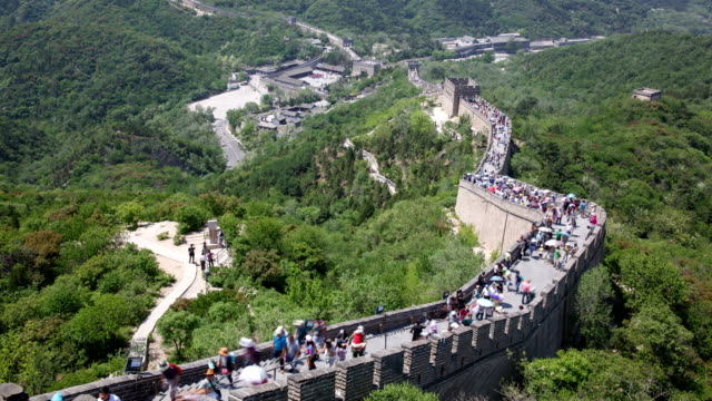 tourists walking on great wall at badaling - badaling great wall stock videos & royalty-free footage