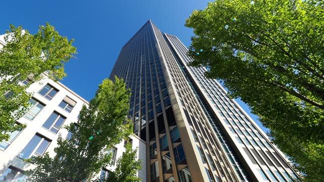 tower 185 in frankfurt, germany - built structure stock-videos und b-roll-filmmaterial