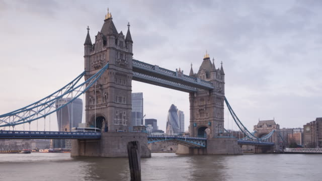 tower bridge and the river thames in london, england. - bascule bridge stock videos & royalty-free footage