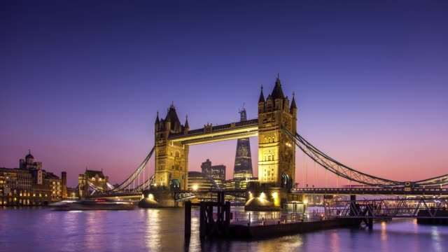 tower bridge - day to night time lapse - london bridge england stock videos & royalty-free footage