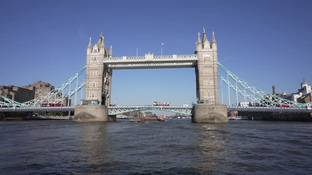 tower bridge from onboard river thames cruise boat, london, england, united kingdom, europe - river thames stock videos & royalty-free footage