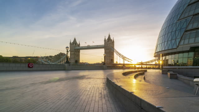 tower bridge in london during sunrise time lapse - town hall stock videos & royalty-free footage