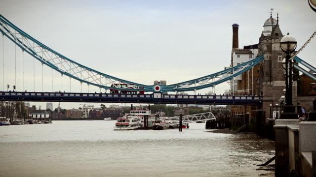 tower bridge in london, england - bascule bridge stock videos & royalty-free footage