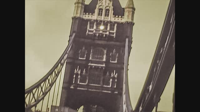 tower bridge in london taken up in the mid 70's, 4k digitized footage - tower bridge stock videos & royalty-free footage