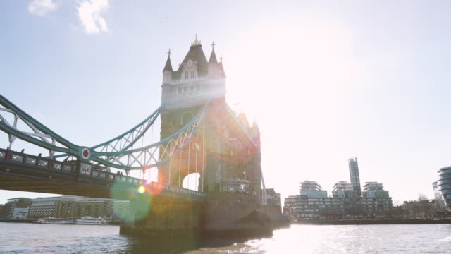 tower bridge london 4k - tower bridge stock videos & royalty-free footage