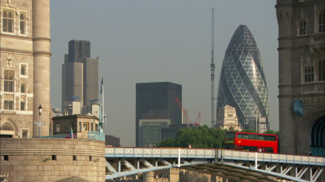 ws, zi, ms, tower bridge, london , england - swiss re stock videos & royalty-free footage