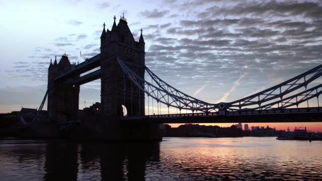 tower bridge, london - bascule bridge stock videos and b-roll footage