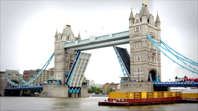 tower bridge opening and closing, london - tower bridge stock videos & royalty-free footage