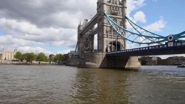 tower bridge over the river thames, london - river thames stock videos & royalty-free footage