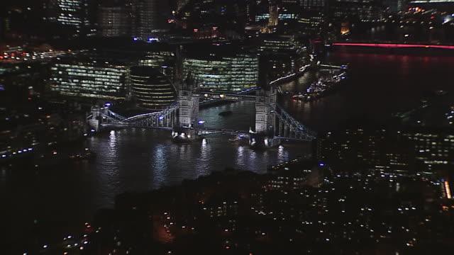 Tower Bridge Reveal At Night 2