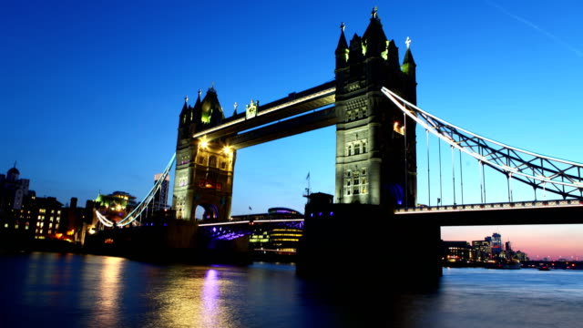 Tower Bridge time lapse video
