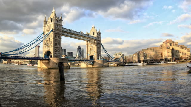 tower bridge time-lapse london - tower of london stock videos and b-roll footage