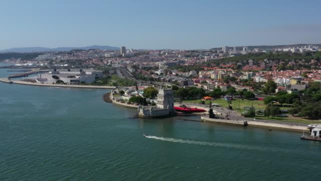 vidéos et rushes de tower of belem (torre de belem) / lisbon, portugal - littoral