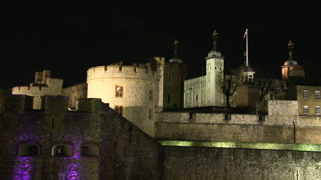 ms tower of london at night  / london, great britain   - tower of london stock videos and b-roll footage