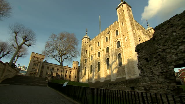 tower of london - castle stock videos & royalty-free footage