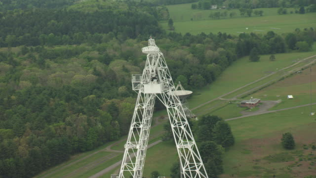 ms zo aerial tower of robert c byrd green bank telescope in pocahontas county and entire telescope with surrounding landscape / west virginia, united states - bank stock-videos und b-roll-filmmaterial
