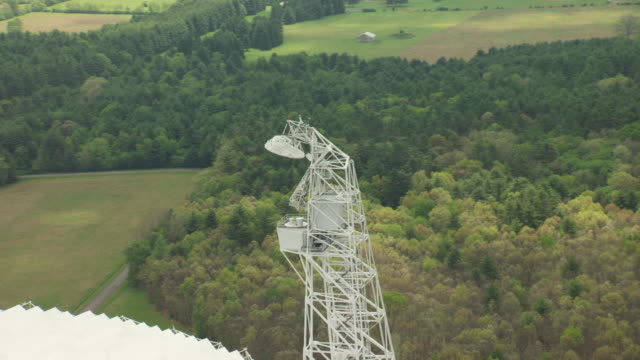 ms aerial tower of robert c byrd green bank telescope in pocahontas county / west virginia, united states - bank stock-videos und b-roll-filmmaterial