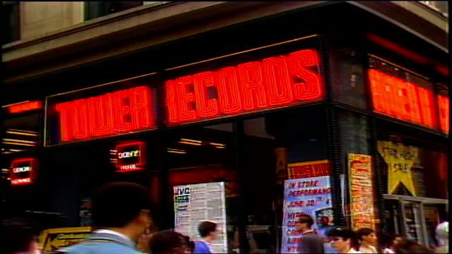 tower records exterior in nyc in 1988 - ミュージックショップ点の映像素材/bロール