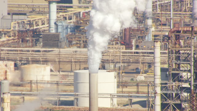 cu aerial towers at exxonmobil baytown / houston, texas, united states - exxon stock videos & royalty-free footage