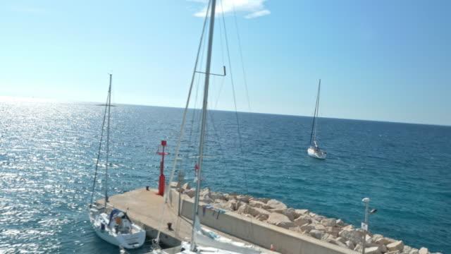 Antenne-Stadt am Mittelmeer
