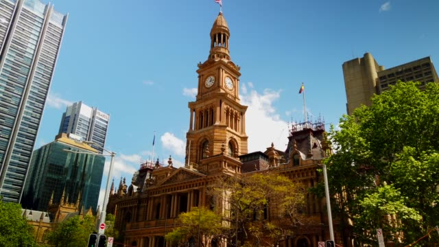 town hall building of sydney / sydney, australia - turmuhr stock-videos und b-roll-filmmaterial