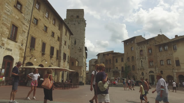 town of san gimignano, tuscany - italian culture stock-videos und b-roll-filmmaterial