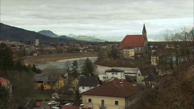 ws ha townscape / oberndorf, salzburg, austria - tornspira bildbanksvideor och videomaterial från bakom kulisserna