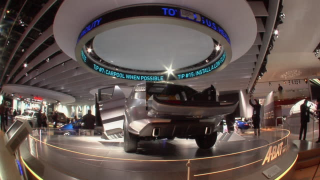 stockvideo's en b-roll-footage met ws toyota a-bat concept car on spinning showcase at detroit auto show/ detroit, michigan - toyota motor