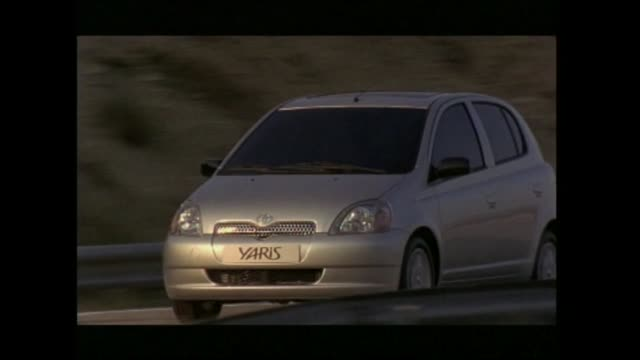 toyota yaris - トヨタ自動車点の映像素材/bロール