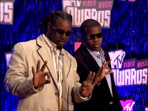 tpain walking the 2007 mtv video music awards red carpet - 2007 stock videos & royalty-free footage