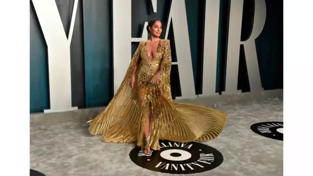 tracee ellis ross attends the 2020 vanity fair oscar party hosted by radhika jones at wallis annenberg center for the performing arts on february 09... - vanity fair oscar party stock videos & royalty-free footage