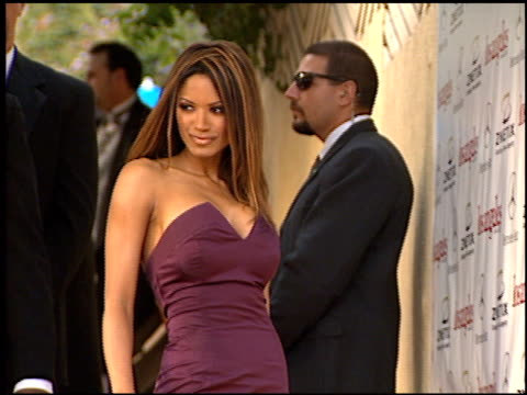 traci bingham at the 2001 academy awards red carpet and spago party at the shrine auditorium in los angeles california on march 25 2001 - 73rd annual academy awards stock videos & royalty-free footage