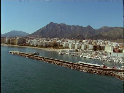 vidéos et rushes de track along harbour and coast marbella spain - style des années 2000