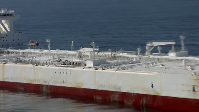 track around huge oil supertanker, pacific ocean - tanker stock videos & royalty-free footage