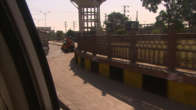 track left around busy roundabout rajasthan available in hd. - viewpoint stock videos & royalty-free footage