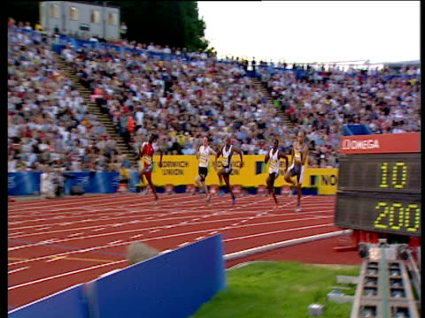 track left as chris lambert wins men's 200m 2004 crystal palace athletics grand prix london - dynamics stock videos and b-roll footage