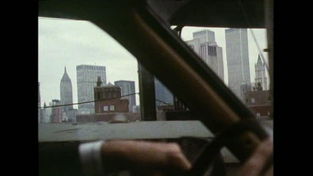 track new york skyline frommanhattan bridge; 10989 - dolly shot stock videos & royalty-free footage