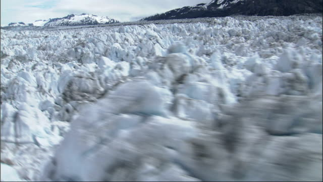 track over columbia glacier in alaska. available in hd. - columbia glacier stock videos & royalty-free footage