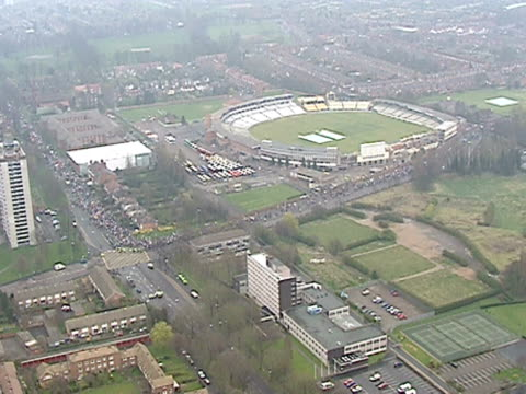 track over large demonstration march against planned closure of longbridge car plant in birmingham april 2000 - longbridge stock videos & royalty-free footage