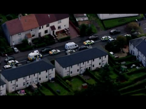 stockvideo's en b-roll-footage met track over unmarked van containing convicted lockerbie bomber abdelbaset ali almegrahi driving through streets with police escort following his... - dumfries en galloway