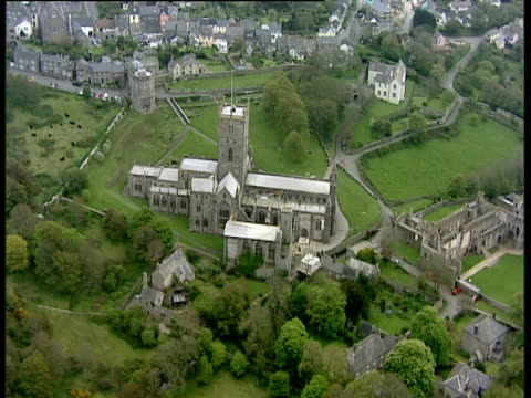 track right around st david's cathedral pembrokeshire south wales - pembrokeshire stock videos and b-roll footage