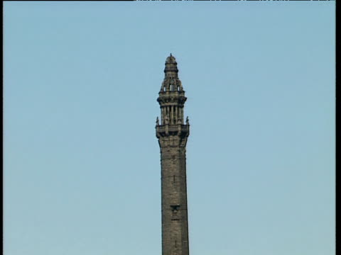 vídeos y material grabado en eventos de stock de track towards and around pinnacle of wainhouse tower halifax - chapitel