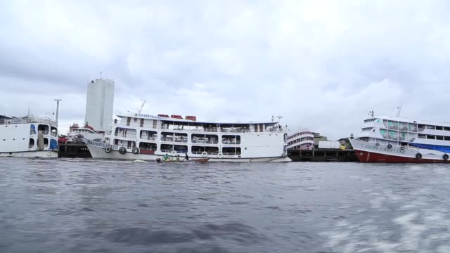 tracking shot of manaus harbor in amazon - moored stock videos & royalty-free footage