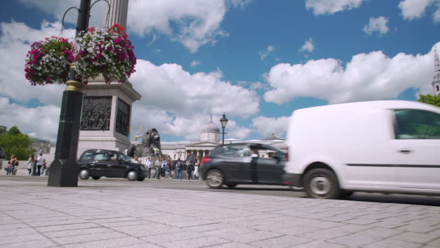 Tracking shot towards Nelson's Column and the National Gallery.
