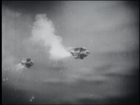 b/w 1940 tracking shot two spaceships flying - space exploration stock videos & royalty-free footage